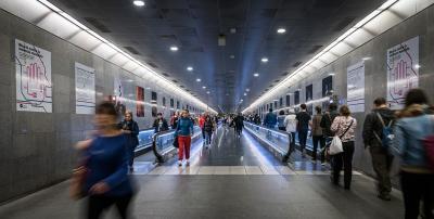Transportes Metropolitanos de Barcelona colabora en una exposición fotográfica contra la violencia machista