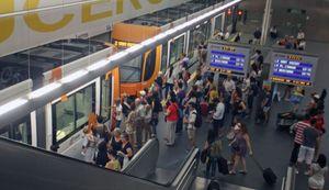 Más de la mitad de los usuarios del Tram de Alicante accede a la red en un radio de 500 metros