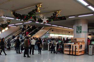Más de 1,7 millones de viajeros utilizaron los servicios especiales de Navidad de Metro de Sevilla
