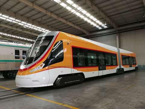 China presenta el tranvía para gran altitud que prestará servicio en el Tíbet