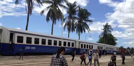 Camboya reanuda el servicio de pasajeros a la frontera con Tailandia