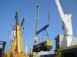 Embarque en Santander de material ferroviario para Argentina