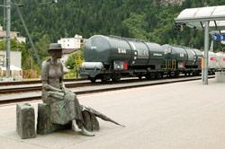 Suiza , Austria y Alemania han introducido sistemas de peaje para la carretera: los peajes no mejoran la cuota del ferrocarril en mercanc�as
