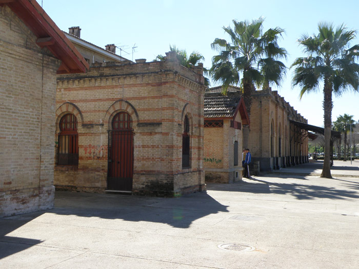 Urinario de la antigua estaci�n de Camas.
